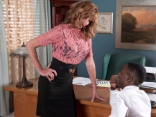Dee Acquires What She Came For and Cums From What That babe Gets